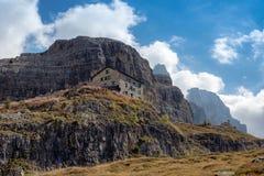 Взгляд доломитов Brenta горных пиков стоковые фотографии rf