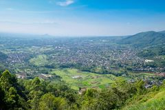 Взгляд сверху фермы риса в Batu стоковое фото