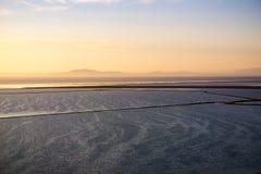Взгляды San Francisco Bay к башне Sutro на заходе солнца, холмы региональный парк койота, Fremont, Калифорния стоковые фото