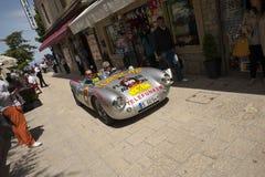 винтажная гоночная машина на miglia mille стоковые фотографии rf