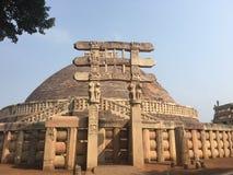 Вид спереди stupa sanchi стоковое фото