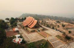 Висок Sirinthorn Wararam Phupao или популярно названный накаляя висок, расположенный на провинции Ubon Ratchathani, Таиланд стоковое изображение rf