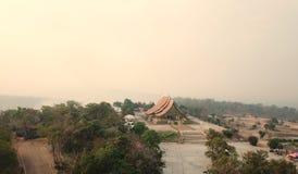Висок Sirinthorn Wararam Phupao или популярно названный накаляя висок, расположенный на провинции Ubon Ratchathani, Таиланд стоковое фото