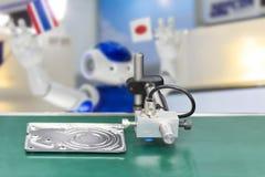 Высокая эффективность и точность датчика обнаруженные для автоматического процесса изготовления и проверки качества с продуктом в стоковые фото