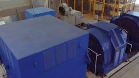Высоковольтный электрический двигатель на промышленном предприятии Станция наивысшей мощности высокое напряжение 4K сток-видео