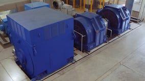 Высоковольтный электрический двигатель на промышленном предприятии Станция наивысшей мощности высокое напряжение 4K акции видеоматериалы