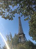 Волшебная Эйфелева башня стоковые изображения rf