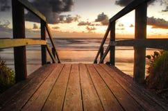 Восход солнца на пляже стоковая фотография