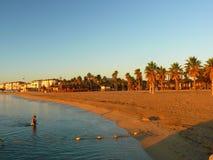 Восход солнца на пляже около St Tropez во Франции в Eruope стоковые изображения rf
