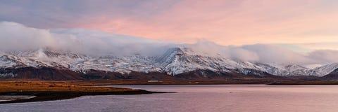 Восход солнца от Рейкявика, Исландии стоковая фотография rf