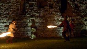 Воюя замок шпаги огня сток-видео