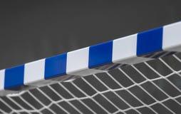 Ворота для futsal или гандбол в спортзале Деталь рамки и сети ворот Внешняя спортивная площадка футбола или гандбола стоковое фото