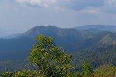 Граница тайских и Мьянмы вызвала пропуск дороги mittraphap на kanchanaburi стоковая фотография rf