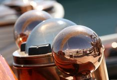 Гонка парусника в заливе Канн стоковое изображение