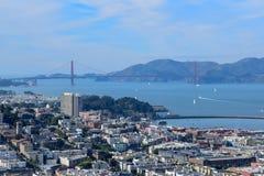 Горизонт Сан-Франциско - мост золотых ворот стоковое изображение