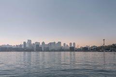 Горизонт Сиэтл от звука стоковое фото rf