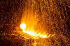 Горячая отливка металла стоковые изображения rf