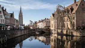 Город Brugge популярного touristic назначения средневековый исторический в западной Фландрии во фламандском регионе Бельгии Улицы стоковые изображения rf