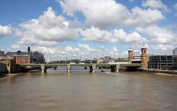 Железнодорожный мост через Темза, Лондон стоковое фото
