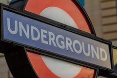 Закройте вверх знака подполья Лондона в Лондоне, Великобритании стоковое изображение