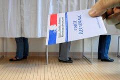 Закройте вверх на французской карте избирателя стоковые фотографии rf
