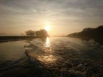 Заход солнца на реке Trent Ноттингеме стоковая фотография rf