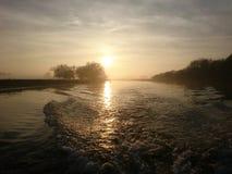 Заход солнца на реке Trent Ноттингеме стоковое фото rf