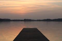 Заход солнца озером стоковая фотография rf