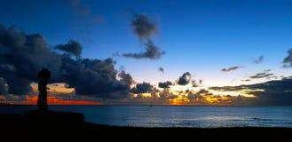 Заход солнца острова пасхи, Чили стоковые изображения rf