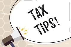 Знак текста показывая подсказки налога Схематические идеи помощи фото для уменьшения заработков обложения увеличивая на расходах иллюстрация вектора