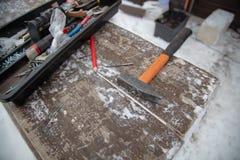 Инструменты для устанавливать стены дома стоковые фотографии rf
