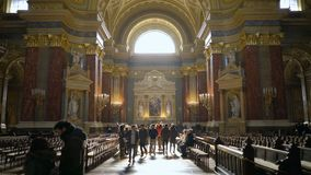 Интерьер базилики Szent Istvan Bazilika St Stephen сток-видео
