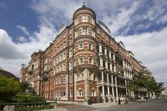 Историческое здание в Kensington, Лондоне стоковая фотография rf