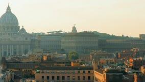 Италия rome Городской пейзаж горизонта Рима с известной папской базиликой St Peter в Ватикане Место всемирного наследия Unesco видеоматериал