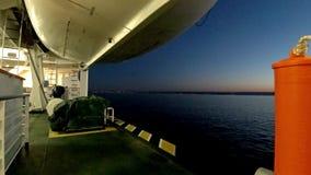 Ирландский паром выходя Cherbourgh во Францию к гавани Дублина - Ирландии видеоматериал