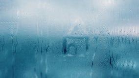 Капая конденсация на ясном стеклянном окне Падения воды абстрактным текстура графиков предпосылки произведенная компьютером Детал стоковые изображения rf