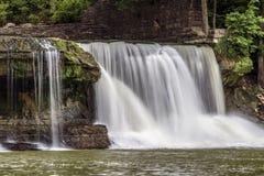 Катаракта Indiana's верхняя падает - водопад на заводи мельницы стоковое изображение