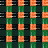 Картина зеленой и оранжевой текстуры ткани тартана шотландки безшовная также вектор иллюстрации притяжки corel EPS10 иллюстрация вектора