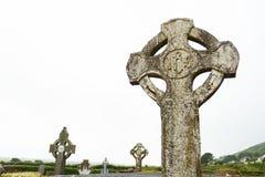 Кельтские кресты в кладбище Dingle стоковые фотографии rf