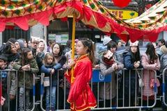 Китайские танец Нового Года и парад в районе Usera, Мадрид, Испания стоковое изображение