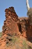 Кирпичные стены башни пагоды Bagan возрастов стоковые изображения