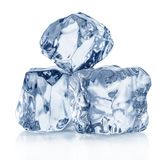 кубики морозят 3 Съемка макроса Путь клиппирования стоковые изображения rf