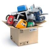 Кухонные приборы домочадца в открытой картонной коробке Доставка, электронная коммерция и онлайн ходя по магазинам концепция Микр иллюстрация вектора