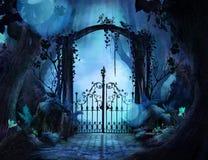 Красивая мечтательная арка ландшафта в заколдованном саде стоковое фото rf