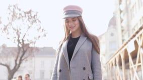 красивейшая кавказская женщина портрета сток-видео