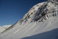 Красивые горы Snowy Крита Bataillence в Aragnouet Природа, перемещение, ландшафты 29-ое декабря 2014 Aragnouet, полдень стоковая фотография rf