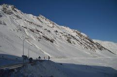 Красивые горы Snowy Крита Bataillence в Aragnouet Природа, перемещение, ландшафты 29-ое декабря 2014 Aragnouet, полдень стоковые изображения rf