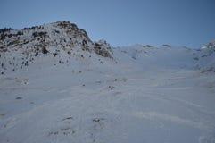 Красивые горы Snowy Крита Bataillence в Aragnouet Природа, перемещение, ландшафты 29-ое декабря 2014 Aragnouet, полдень стоковое фото rf