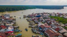 Красивый вид с воздуха ландшафта деревни рыболовов в Kuala Sepetang Малайзии стоковое изображение rf