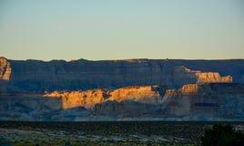 Красивый восход солнца захода солнца в горах песка Аризоны стоковые изображения rf